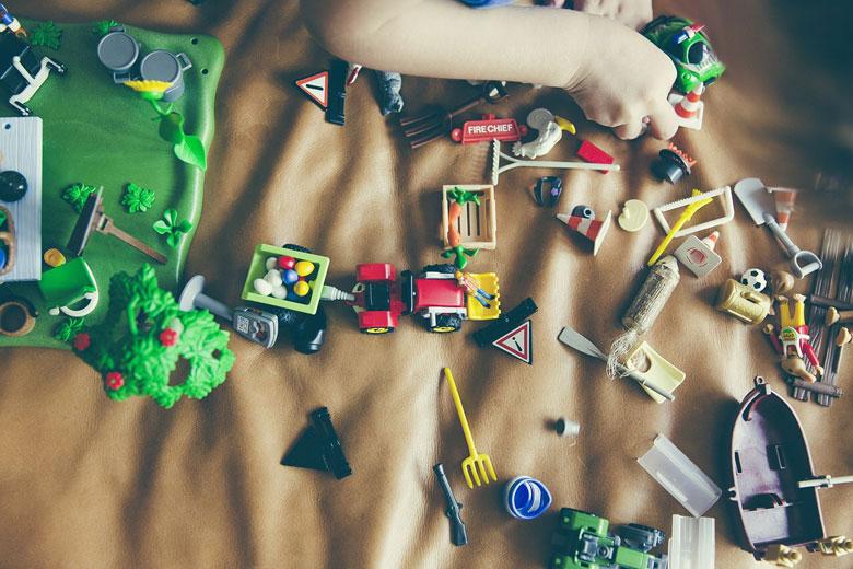 散らかるおもちゃ