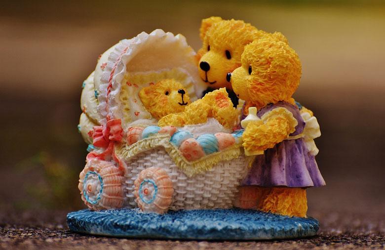 くまの赤ちゃんと両親